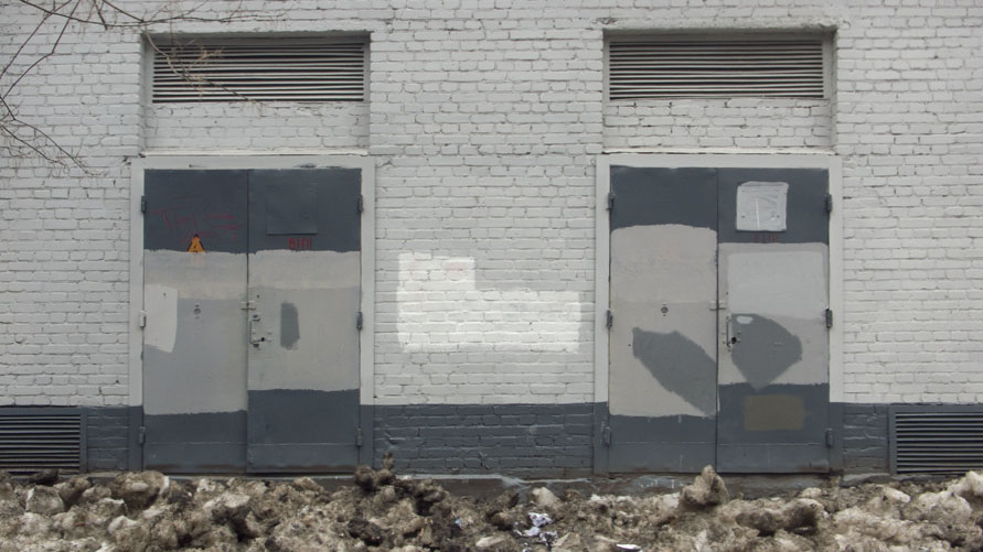 Transformatoren-Haus-Wand_Moskau-2010_front