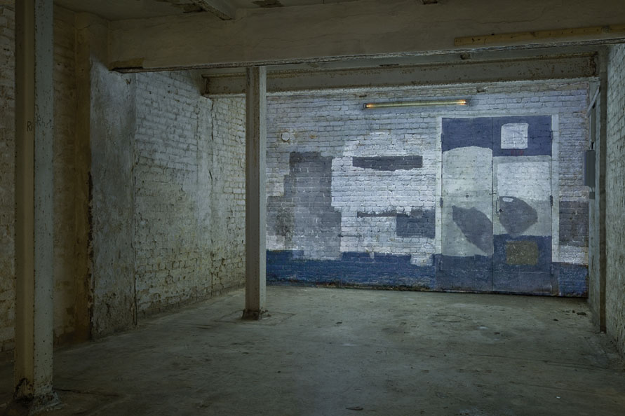 Wand-NeonLicht_Installation_V-2_Bunker-Berlin_Video-2-Still-01