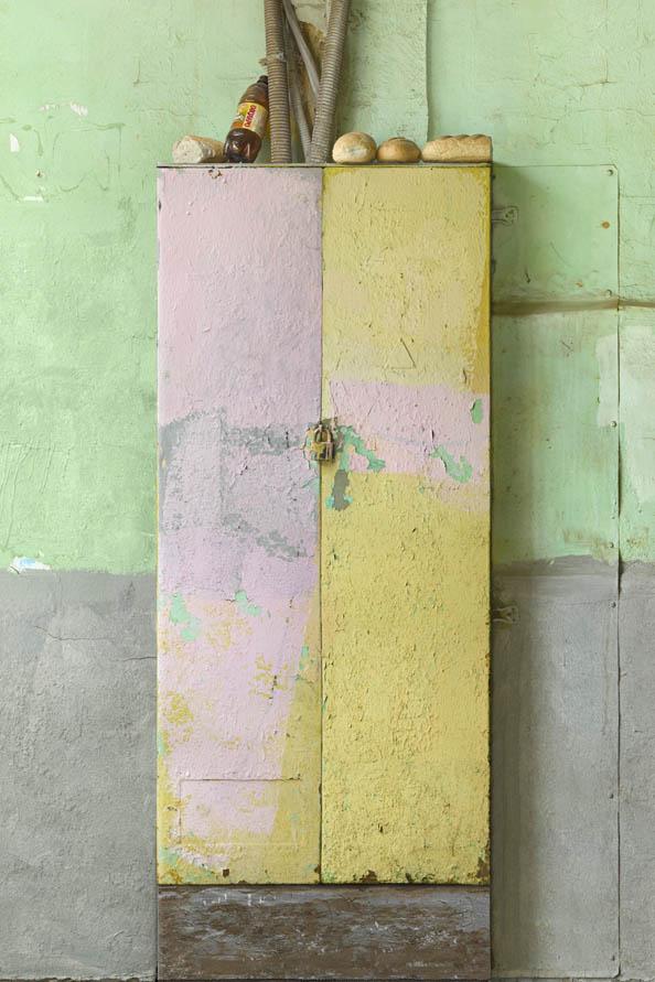 Schrank_schloss-badarolsen-2016_installation-motiv