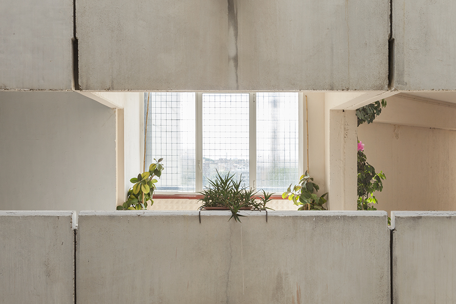 2018_PHOTOGRAPH_ITALY-ROME-NUOVE-CORVIALE_View-to-the-city_Block3_Level7_R_Morning