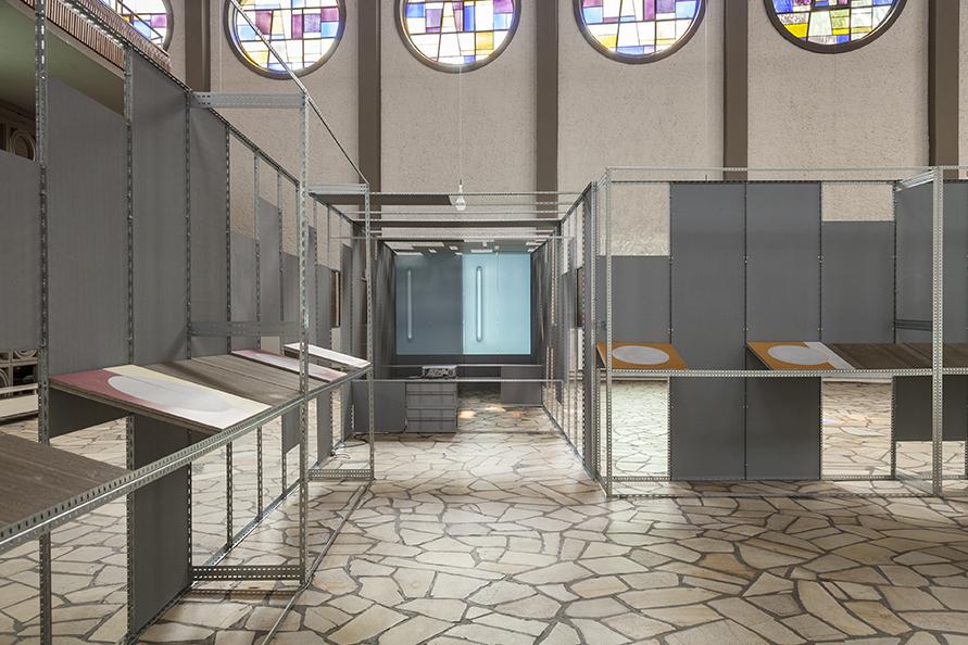 MartinaWolf_2018_Exhibition_OF-WALL_Frankfurt-Diakoniekirche_Motif_1